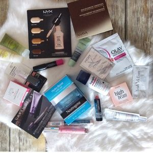 19 piece delux beauty lot, including full sizes